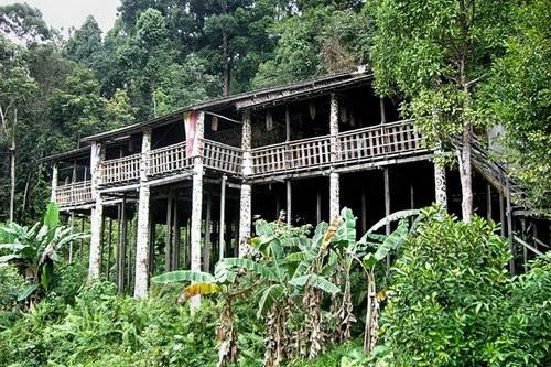 Annah Rais Long House