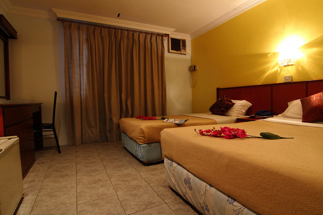 Triple Bedroom   -   RM 75   -   Booking online Special Price RM 60