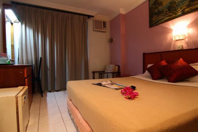 Queen Size Bedroom - RM 70 - Online Special Price RM 65