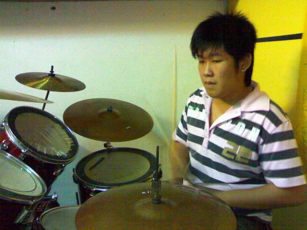 20081111-band13
