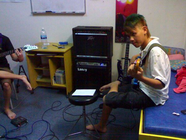 20081111-band14